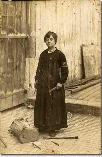 Une dame au travail